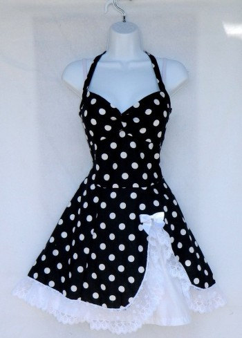 black_polka_dot_dress_by_imaxxstarfish-d575032.jpg